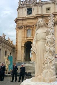 Statua Santa Rita a Roma